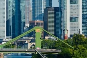 Frankfurt Hochhäuser Arbeitsplätze für Teams und Abteilungen